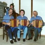Schmidig-Gwerder mit Daniel Gwerder und Mark Schuler am Bass